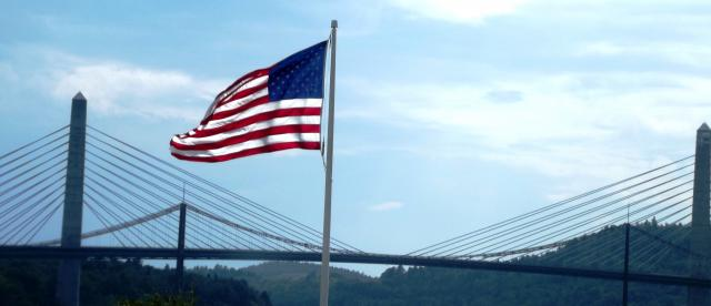 bridge_flag.JPG
